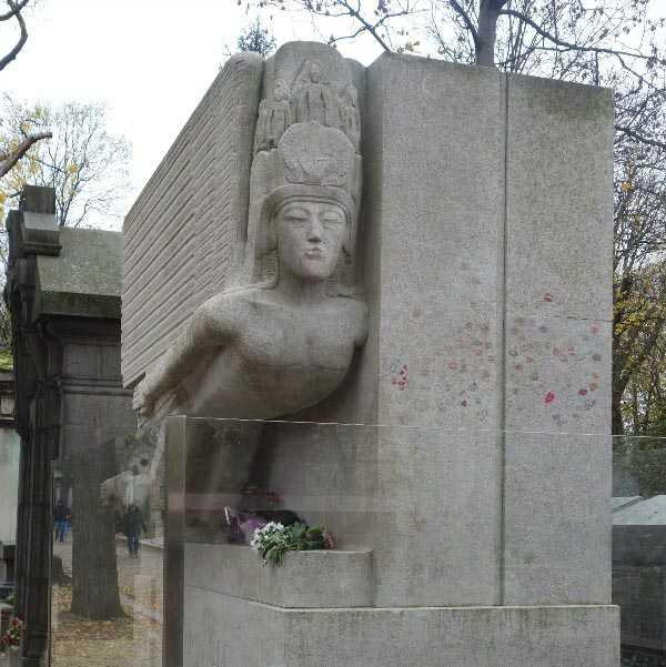 Grave of Oscar Wilde