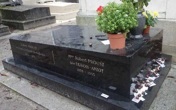 Proust Family grave, complete with conkers
