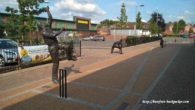 Bodyline statues, Kirkby