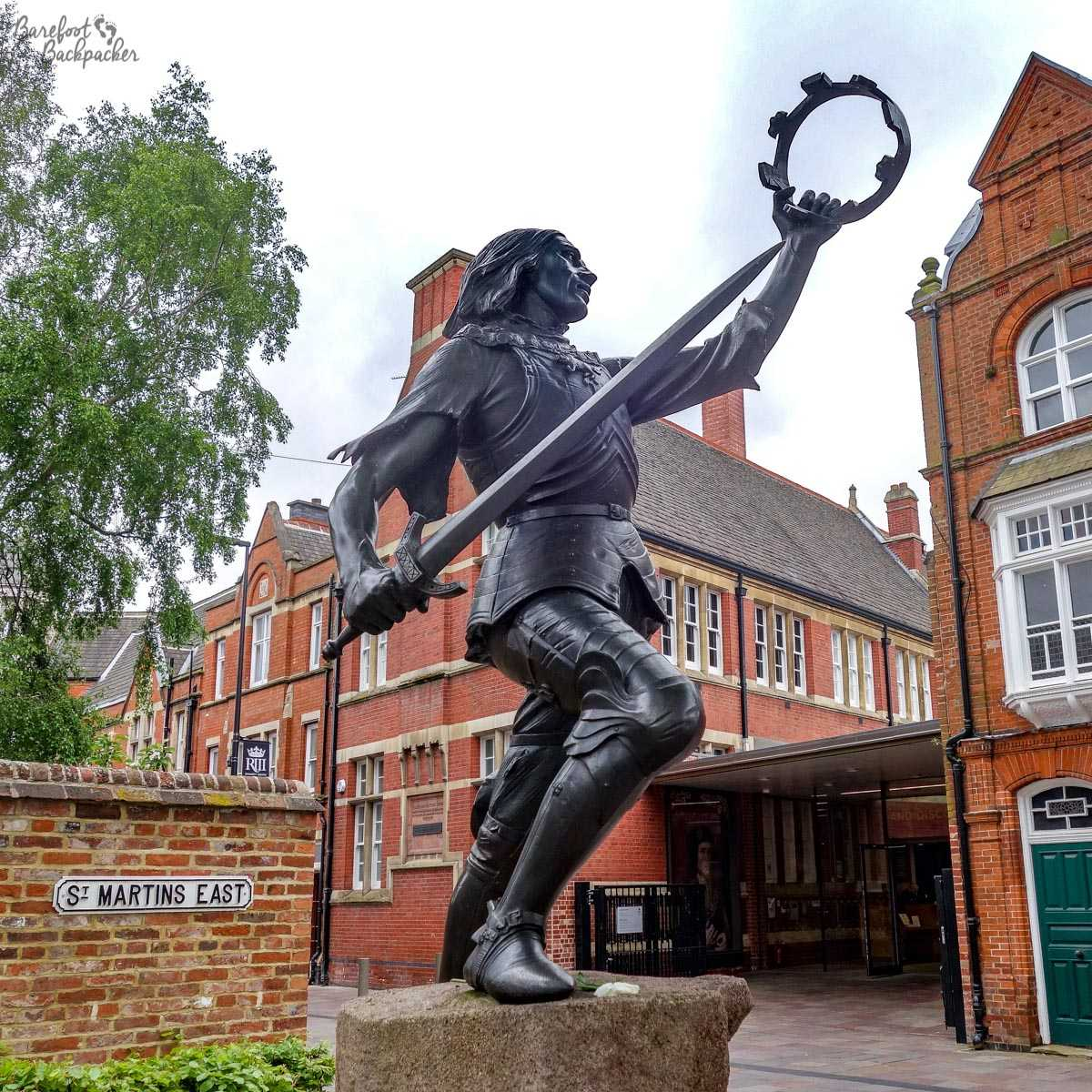 Richard III statue, outside Leicester Cathedral.