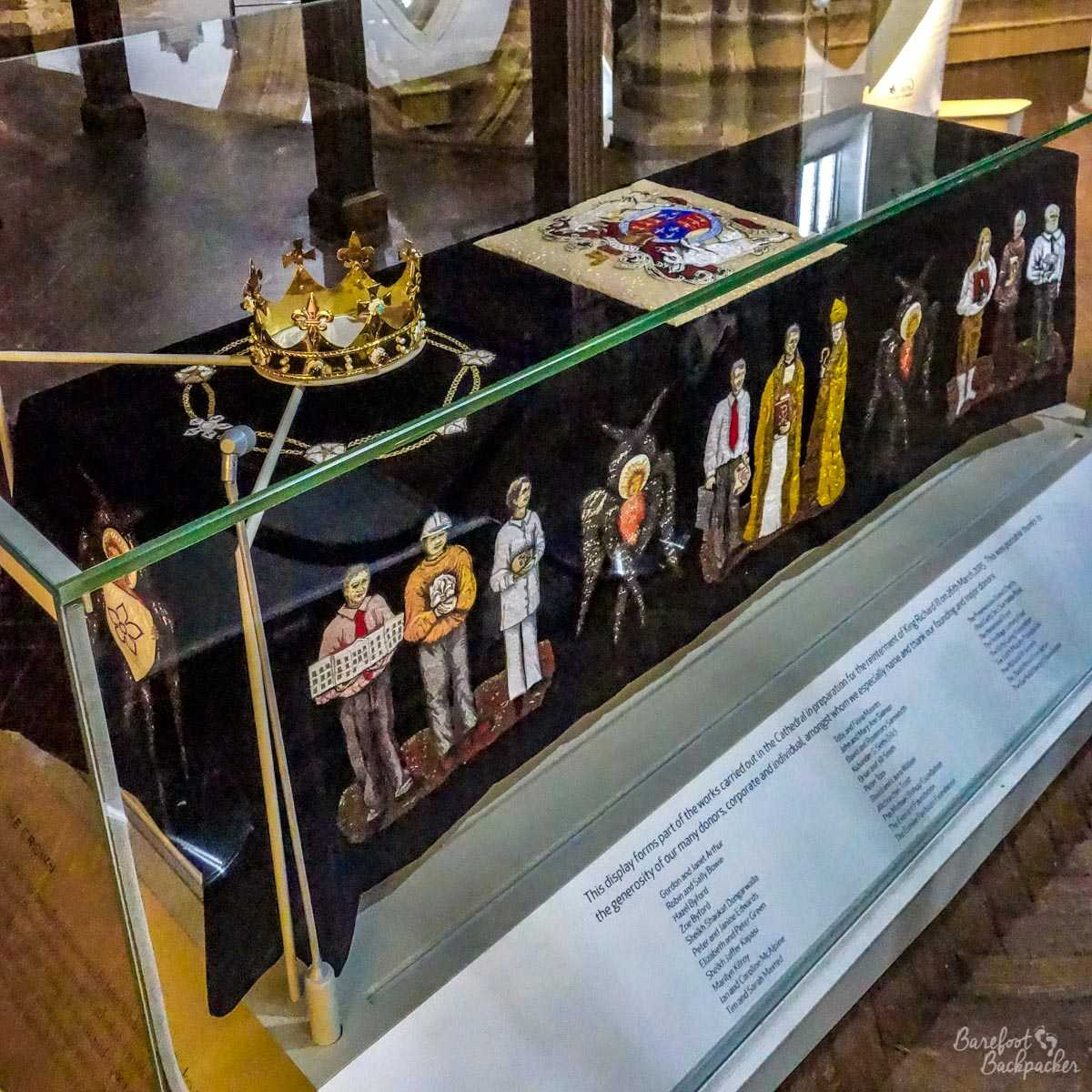 Memorial to King Richard III inside the cathedral, and replica of his crown.