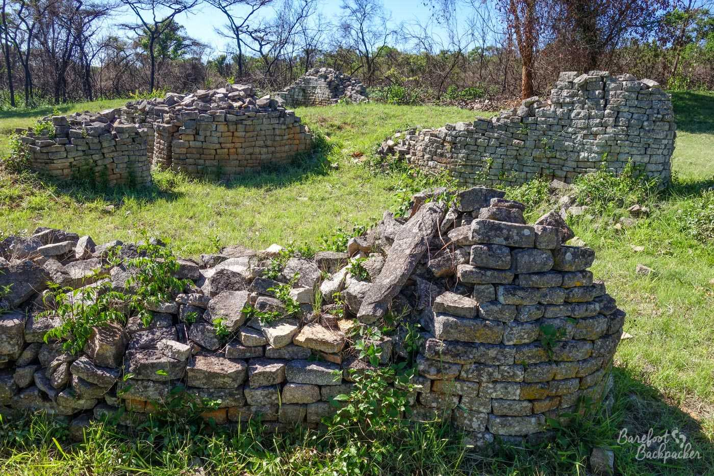 Stone ruins, probably housing, in the Valley complex at Great Zimbabwe.